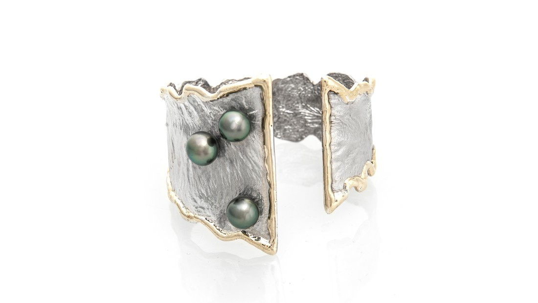 Lg image dancing pearls cuff   cropped