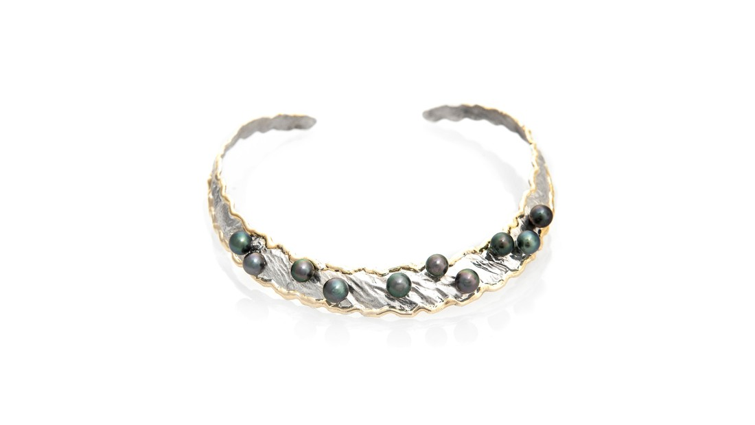 Lg image dancing pearls collar   cropped